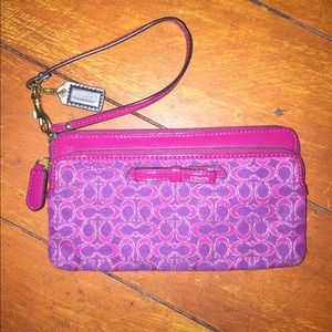 NEVER BEEN USED: Coach Wristlet Wallet